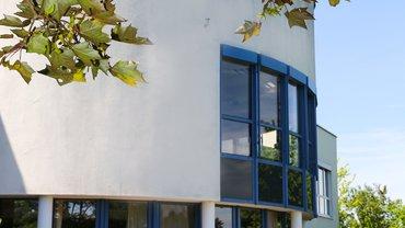 BIZ Saalfeld Haus Außenbereich